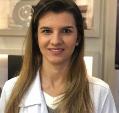 Dra. Roberta Carolina Nogueira Costa Lanna