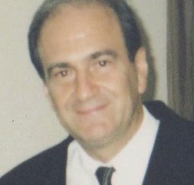 Dr. Caio Mário Trivelato Seabra