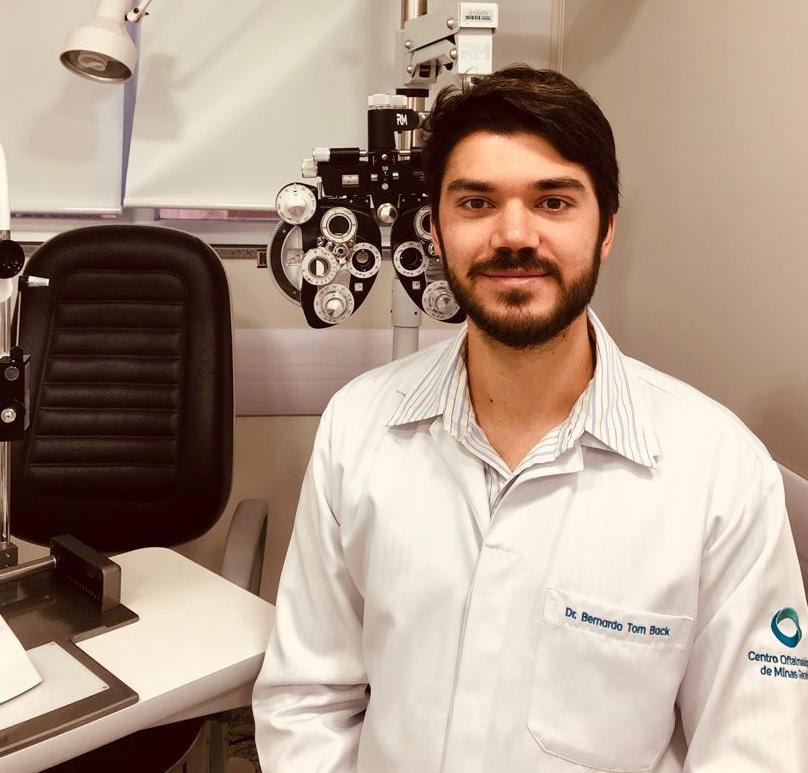 Dr. Bernardo Franco de Carvalho Tom Back